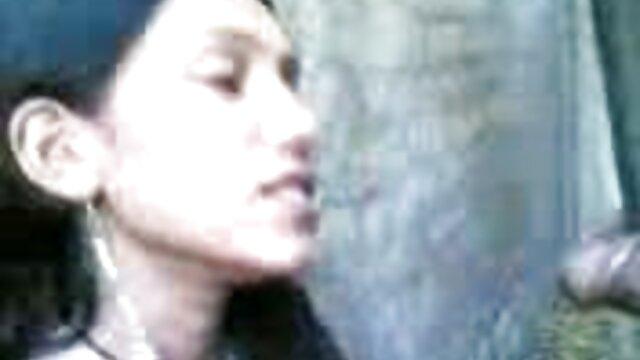 उसे गधा और जीभ हिंदी में फुल सेक्स मूवी पर बैठे
