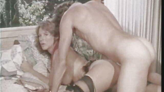 बहन सेक्सी फुल फिल्म सेक्सी के साथ उसके मुंह को भरने