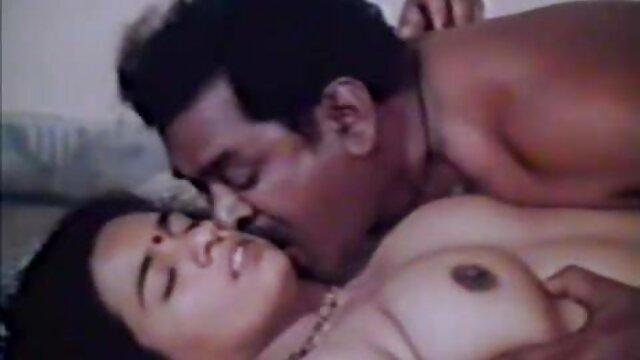 सो रही फुल मूवी सेक्सी हिंदी लड़की के साथ बलात्कार किया गया था